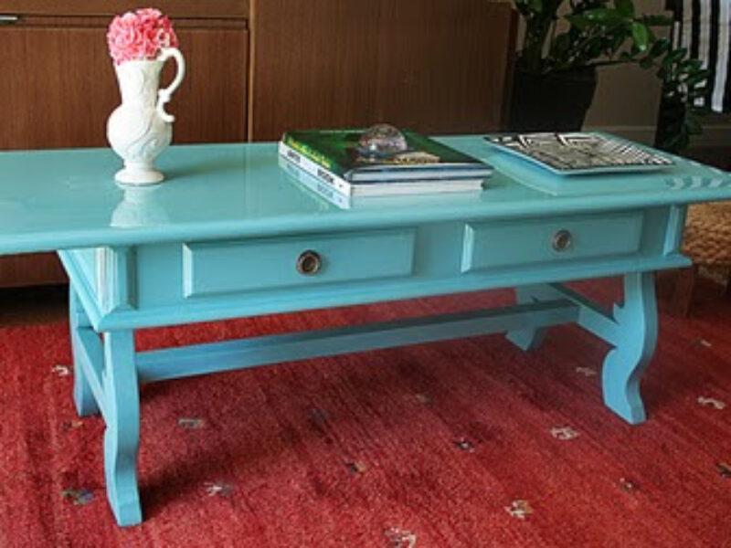 Laca colorida nos móveis