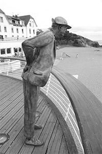 Estátua do Sr. Hulot no balneário francês de onde foi feito o filme.