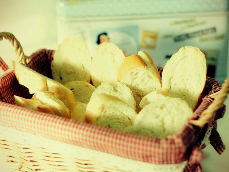 Como fazer torradas de pão amanhecido