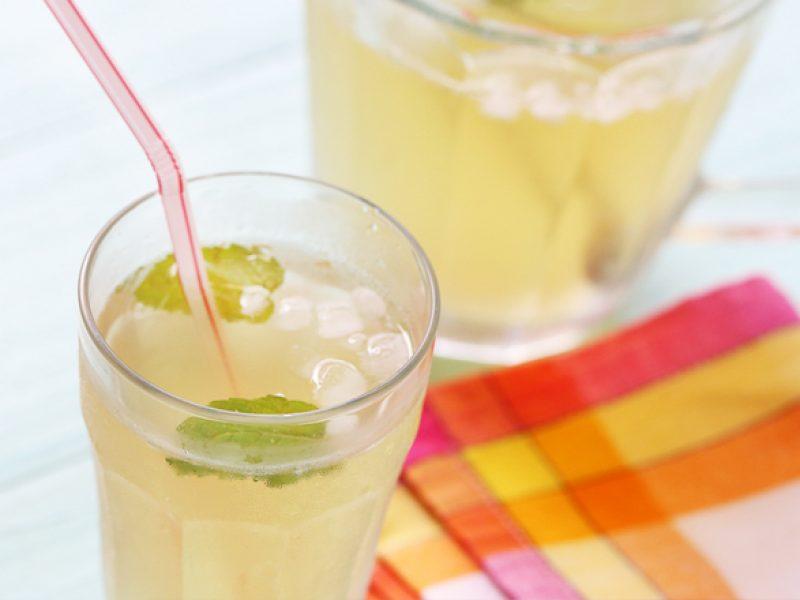 Suco da casca do abacaxi
