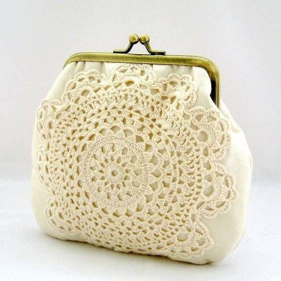 bolsa com toalhinhas de crochê