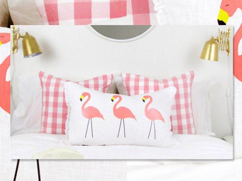 Bela almofada com flamingos