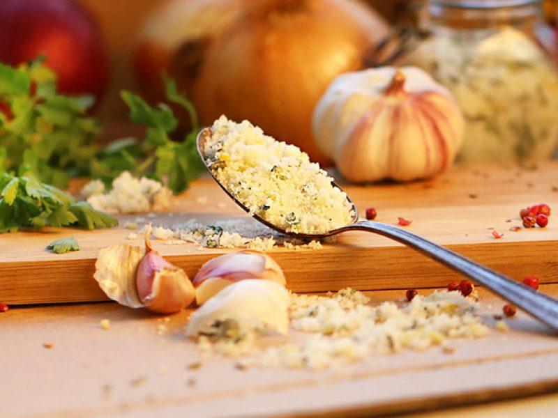 Sal temperado caseiro – muito mais saudável