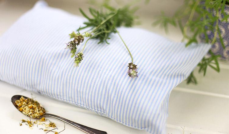 Travesseiro de ervas aromáticas – como fazer