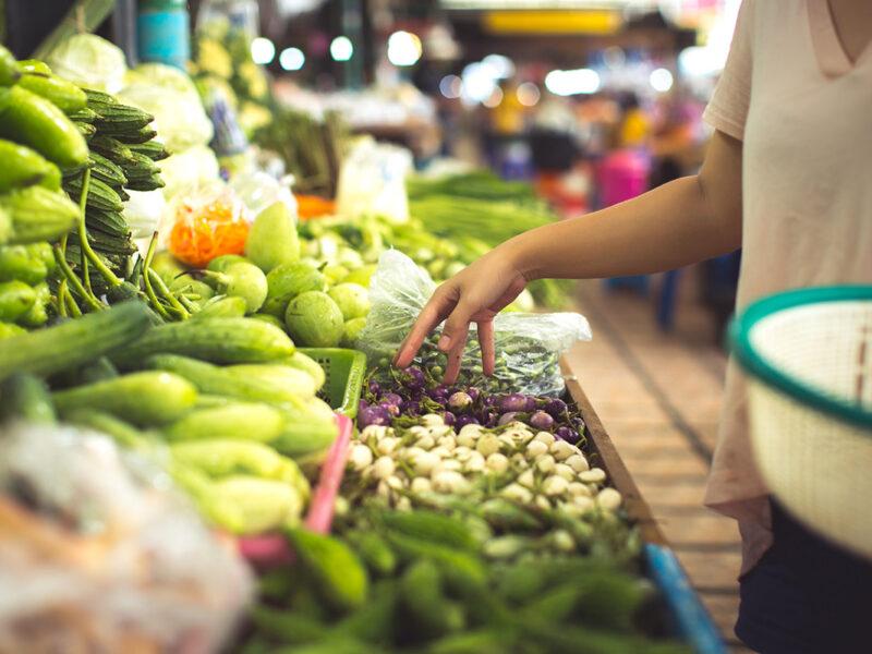 Tabela de frutas, verduras e legumes da estação