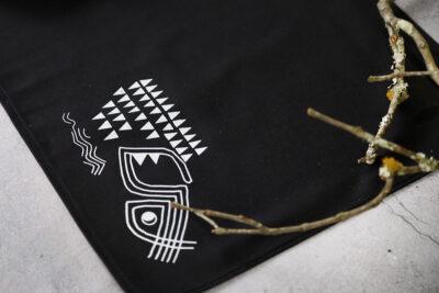 Jogo americano rupestre preto com guardanapo – Garopaba